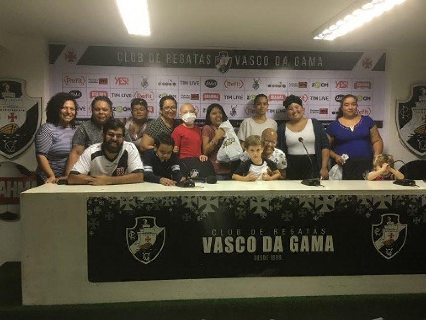 Vasco recebe crianças com câncer durante vitória em São Januário https://t.co/ZpO1l2a5vG