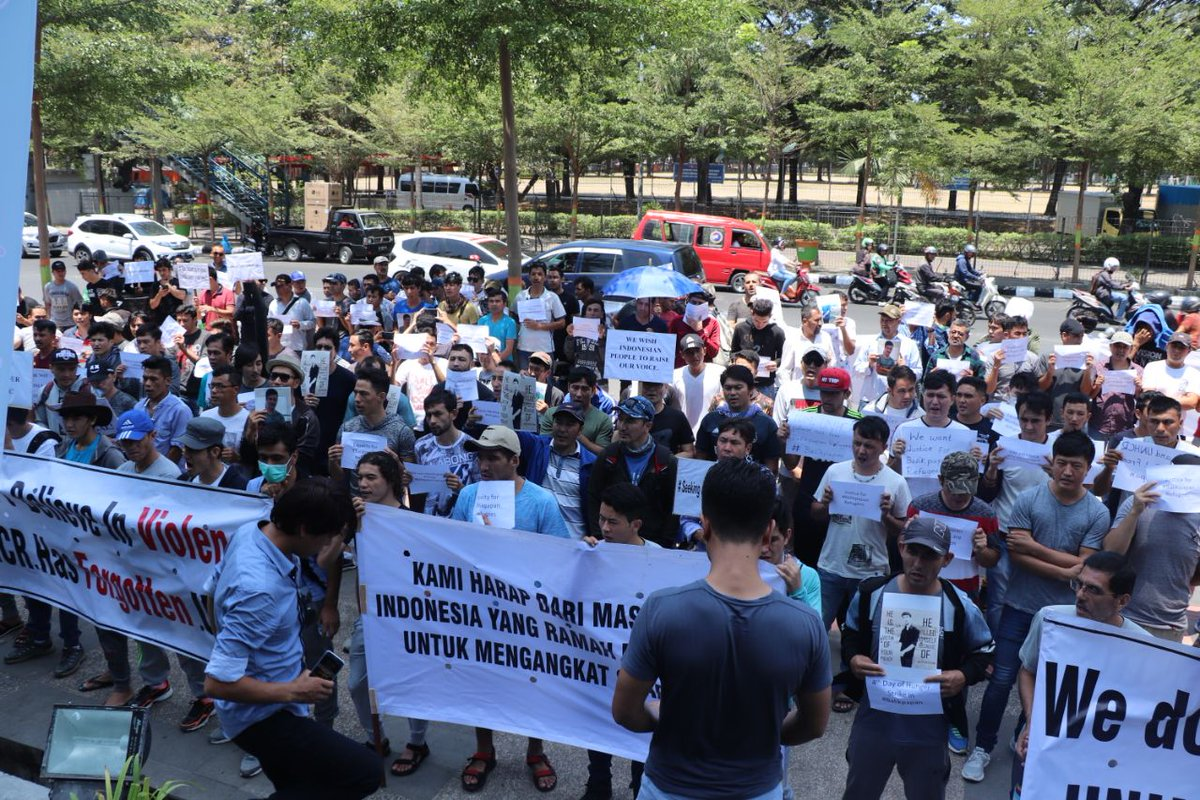 #HELPREFUGEESININDONESIA  16th rounds of our peaceful demonstration infront of UN office in makassar  Our demands are: 1 @UNHCR please start process  2 @RESETTLMENTCOUNTRIES please give as resettlement  It is six years we are here, we are tired and exhausted<br>http://pic.twitter.com/zDN9a4XgCf