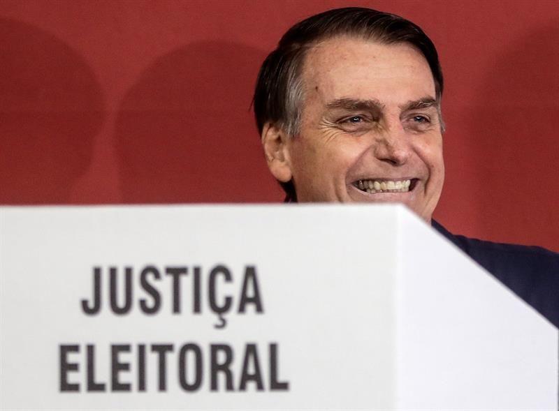 Paraná Pesquisas: Bolsonaro chega a quase 70% dos votos válidos em São Paulo #jornaldamanha https://t.co/U10E80h8Aj