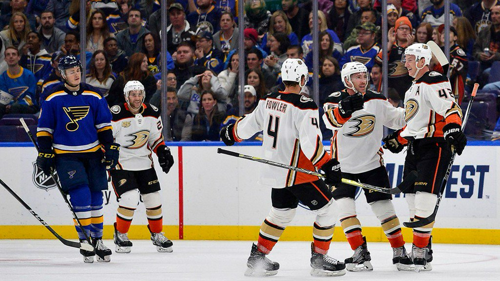 Blues lose another third-period lead, fall to Ducks 3-2 https://t.co/iqXtqRDpOe