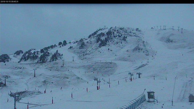 Así amanece #BaqueiraBeret tras el paso de la borrasca #Leslie! 😍❄️❄️❄️ La cota de #nieve ha bajado hasta los 1.500msnm ⛷️🏂