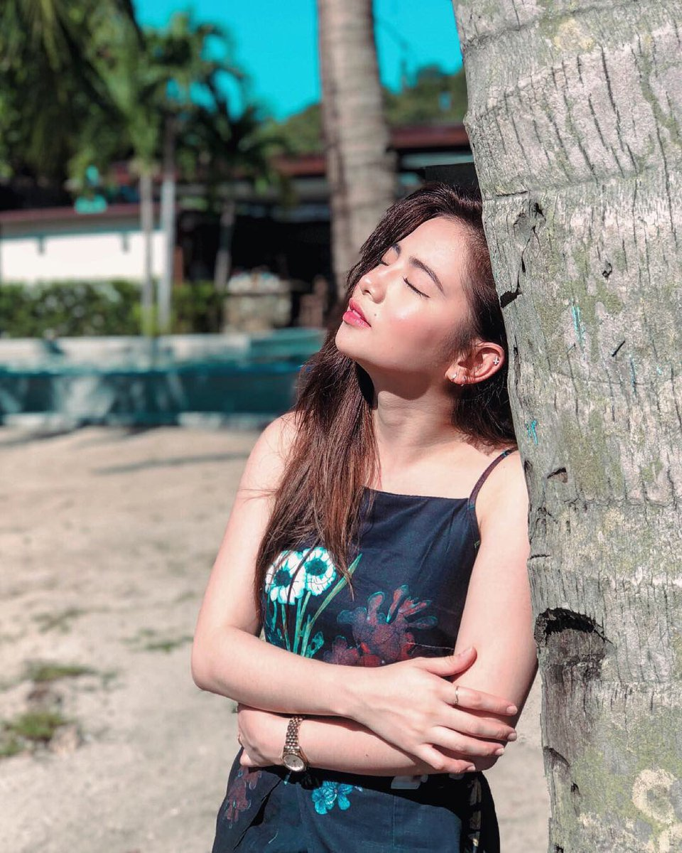 Ella Cruz  - i just wanna twitter @itsEllaCruz