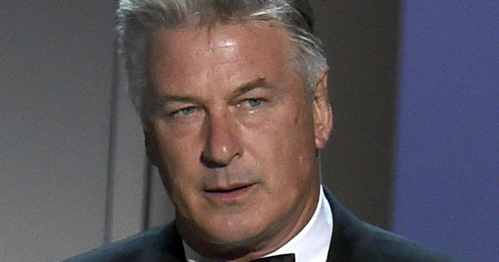 Alec Baldwin: 'Overthrow' government -- by voting in midterms https://t.co/wL5pzl9meS