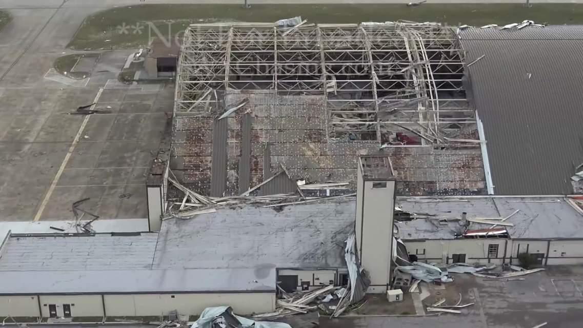 В результате урагана во Флориде пострадало 17 истребителей F-22