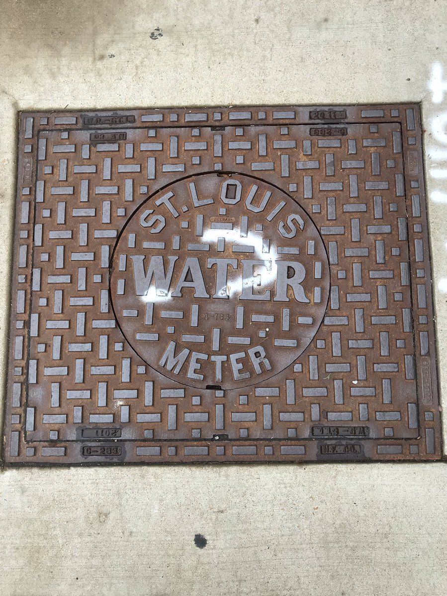 #ManholeCoverMonday from streets of #stlouis, (qui a instauré #lasorbonne) (or its theological college), @robertloerzel @RogersParkMan @Minokemeg @carson__shoes @JJTindall1 @giegerj @KevinIrvineChi<br>http://pic.twitter.com/7q2sI9lwf8
