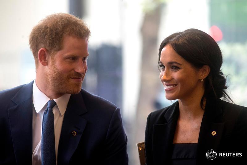 Príncipe Harry e Meghan esperam primeiro filho https://t.co/EZMHN0JRnL