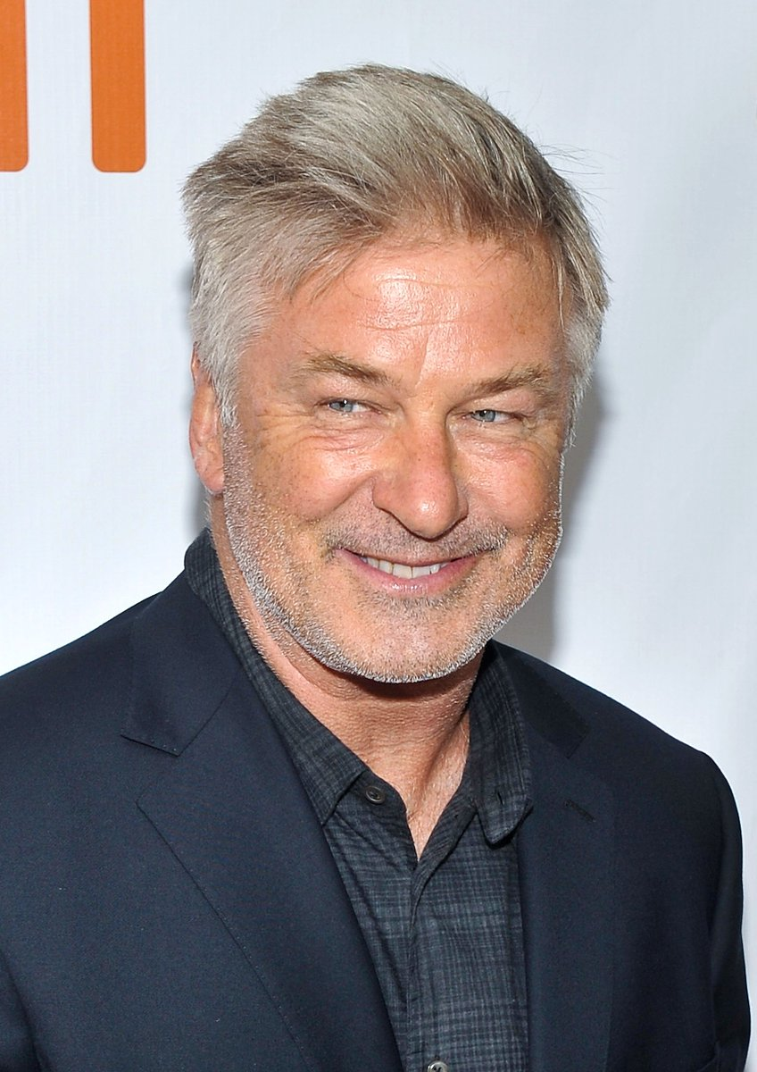 Actor Alec Baldwin followed up his latest parody portrayal of President Trump with a serious call Sunday night for voters to use the Nov. 6 midterm elections to peacefully 'overthrow' the government. https://t.co/ydJWFRmdGr