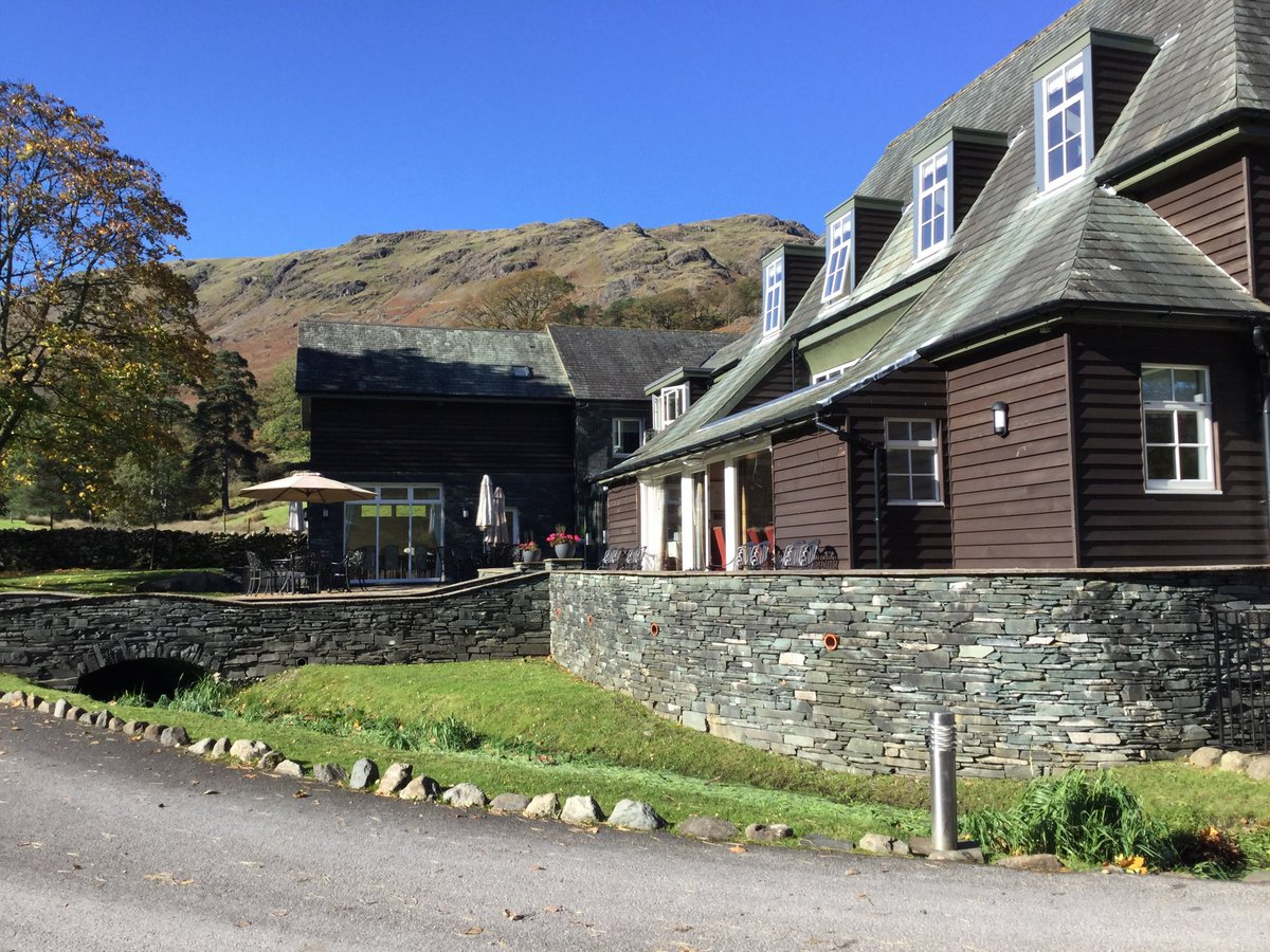 @RomileyPS Y6 have arrived at Glaramara! Beautiful weather, amazing views. Looking forward to a great week.