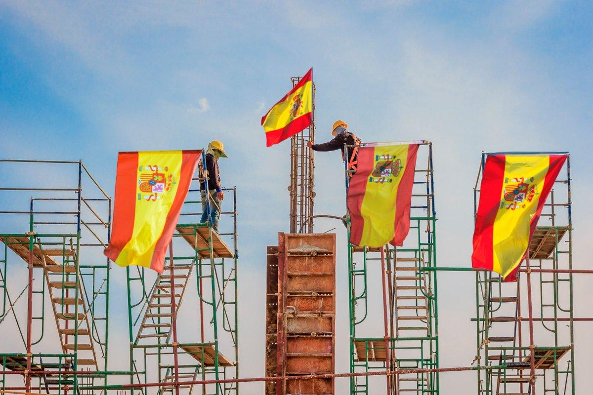 Empiezan a construir una casa por las banderas del balcón https://t.co/iSCutookJR