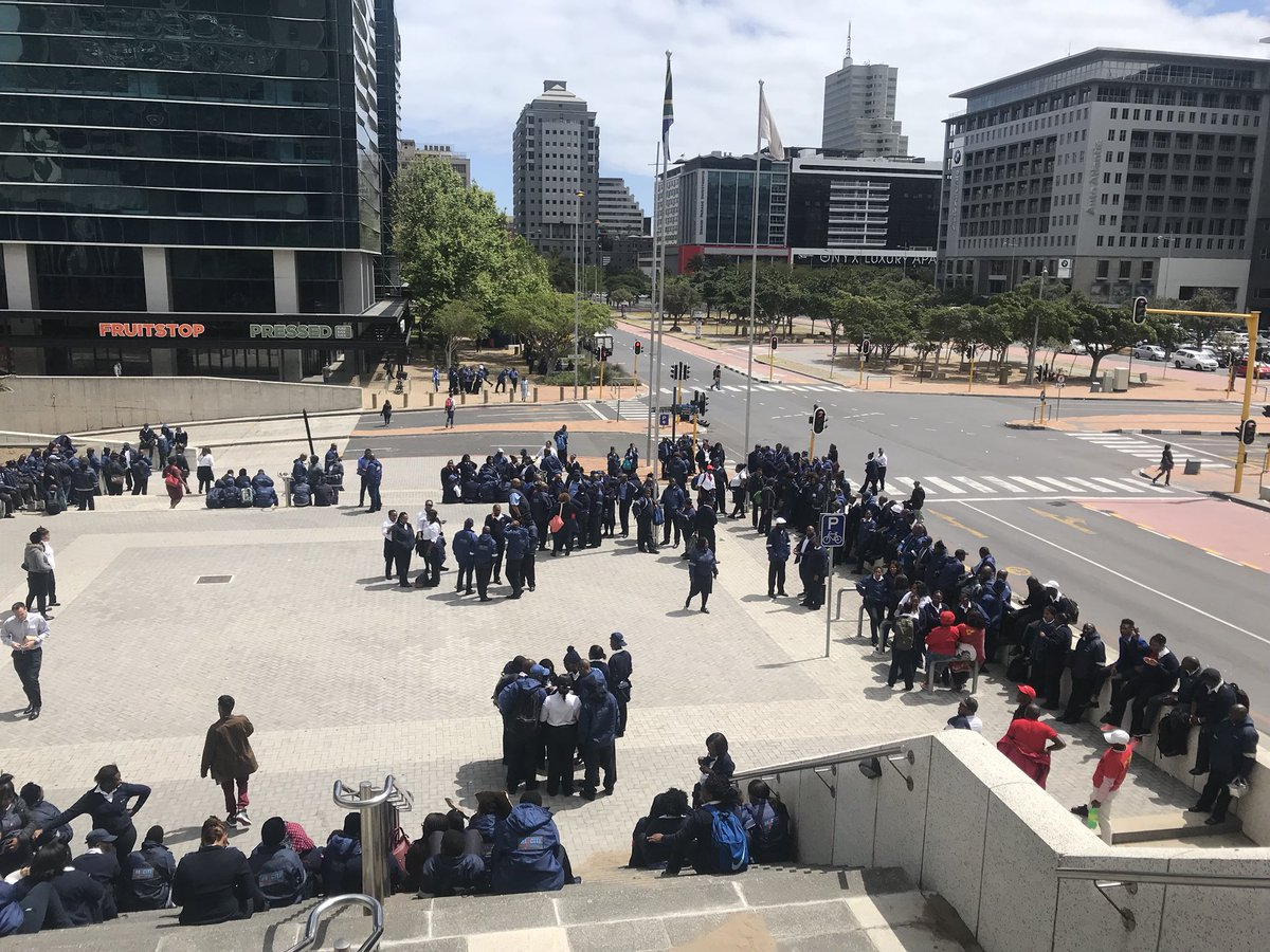 #MyCitiStrike The MyCiti bus service has been disrupted by an ongoing strike.  Drivers this morning embarked on an illegal strike. Several routes have been affected. KP