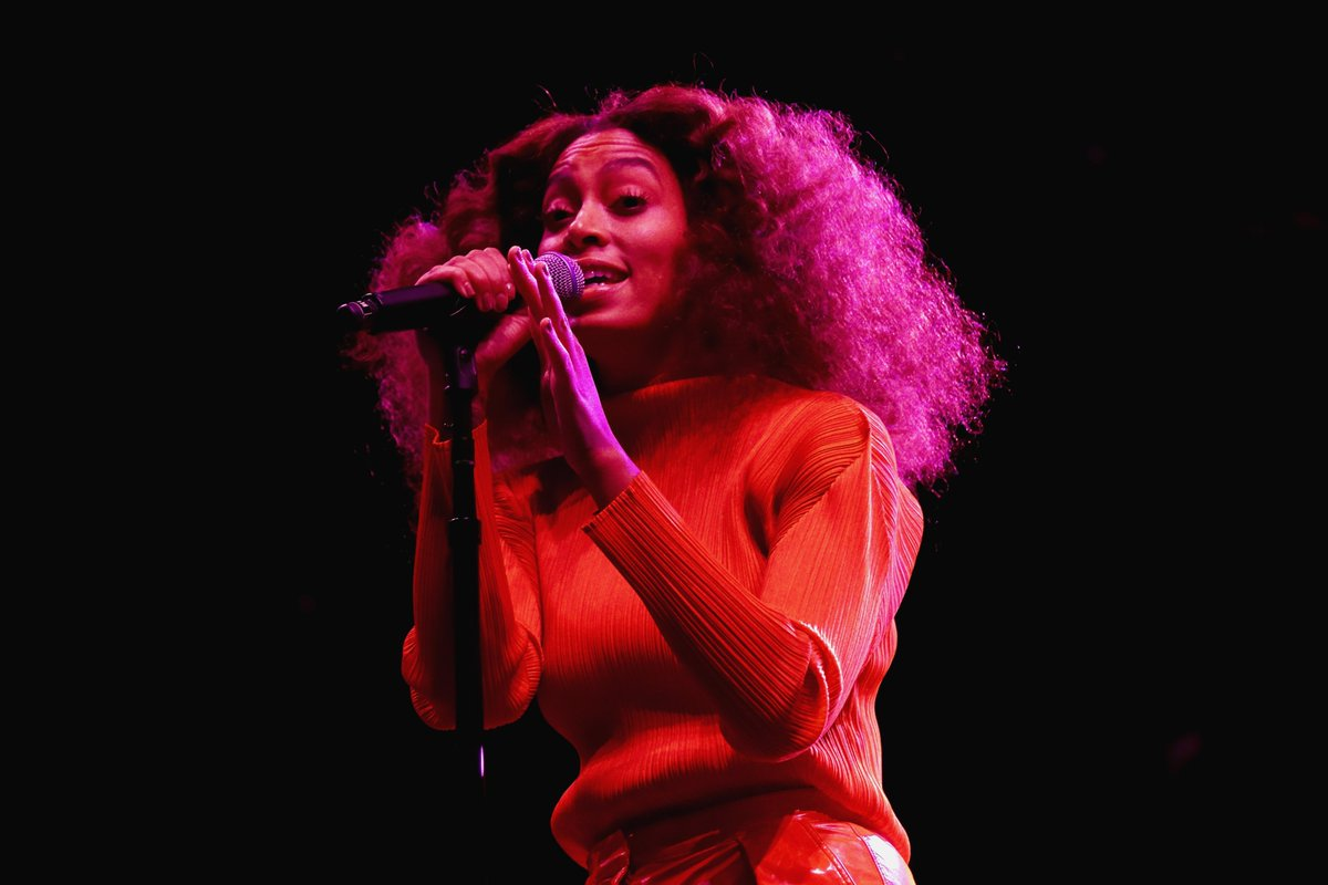 .@solangeknowles announces new album, due later this year. https://t.co/IddeFM42zV