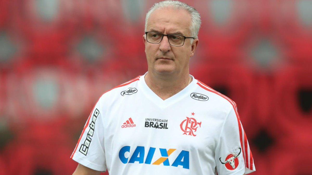 Zinho diz jogador do @Flamengo que dificilmente voltará a ser titular do time em 2018  👉 https://t.co/DutdLkeO4w