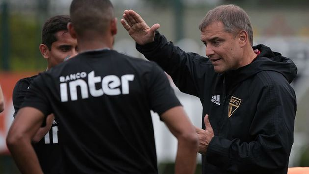 Edmundo cita atitudes de Aguirre que podem estar 'irritando' os jogadores do @SaoPauloFC; veja  👉 https://t.co/rFCGExRq93