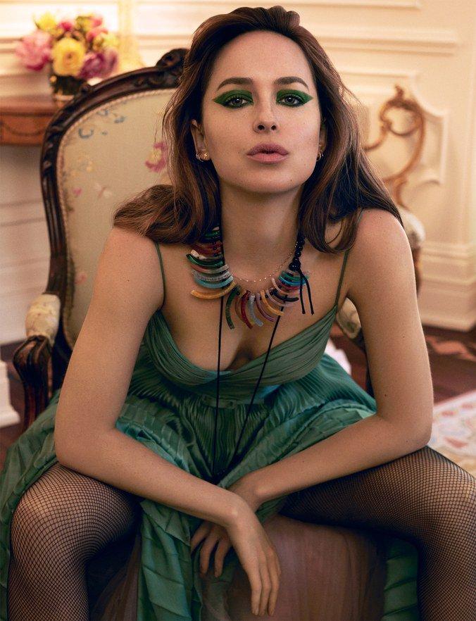 Dakota Johnson on the nightmarish making of #Suspiria: &quot;It&#39;s a crazy, crazy film.  http:// wmag.cm/jGQFa5E  &nbsp;  <br>http://pic.twitter.com/w68fPvcLhv
