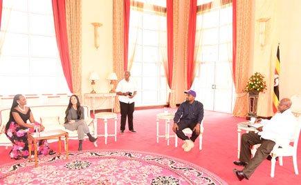Kanye West na mkewe Kim Kardashian wabatizwa majina mapya na Rais Museveni wa Uganda