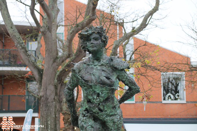 ADV; Motie voor uitvoering plaatsing standbeeld Gravin Machteld https://t.co/Mp65jRtWl7 https://t.co/kGOSCuhdiY
