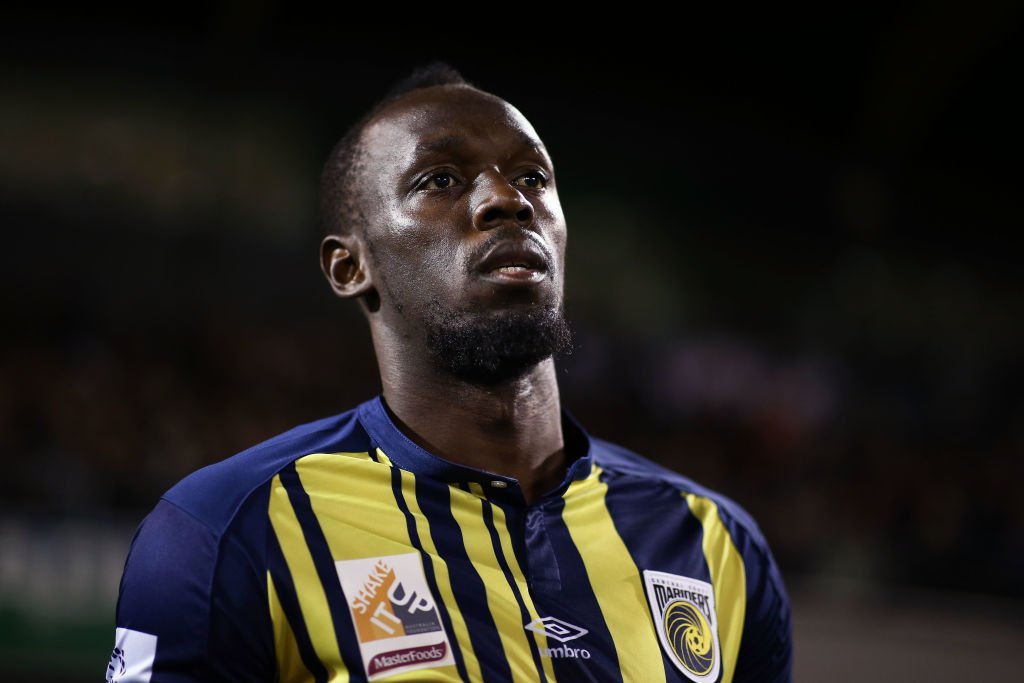 Usain Bolt reportedly already has an offer on the table to become a professional footballer.  It's the gossip! https://t.co/AHGyrNO05E