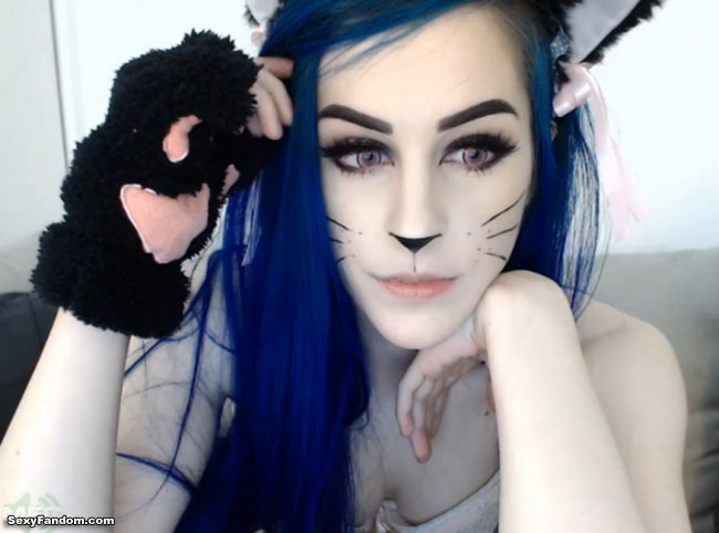 Sexy Fandom: Purring Hot Kitty Kati3Kat https://t.co/MKYJB2k03k...