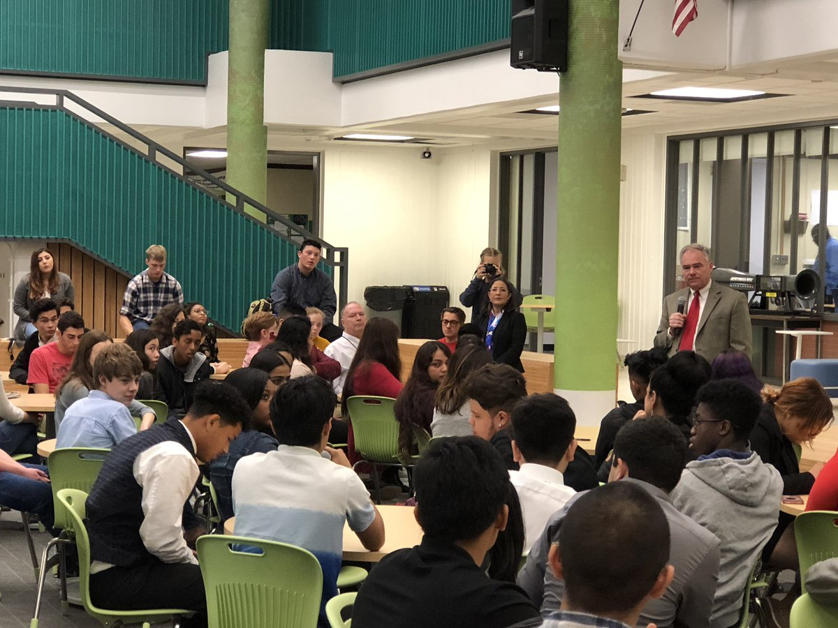 <a target='_blank' href='http://twitter.com/arlingtontechcc'>@arlingtontechcc</a> students ask <a target='_blank' href='http://twitter.com/timkaine'>@timkaine</a> about the future of CTE studies for students. <a target='_blank' href='https://t.co/sqfK5iV3jN'>https://t.co/sqfK5iV3jN</a>