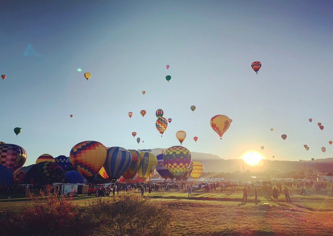 Early mornings are my thing, but this early morning in particular.. wow! @balloonfiesta