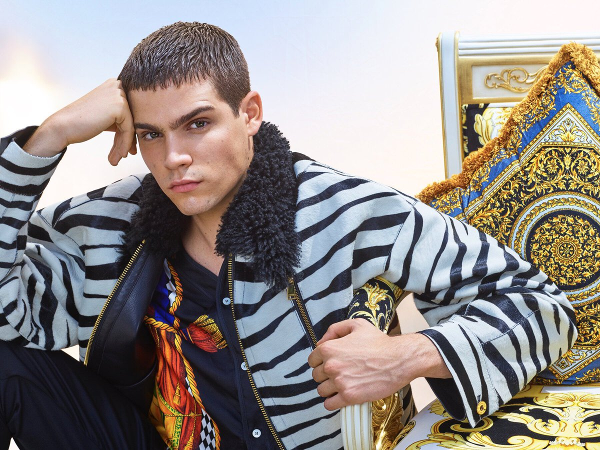 This is team Versace - always printed, always sharp. #VersaceFW18   Featured on #GQChina  Photographer: @MarianoVivanco  https://t.co/YsSHySowf8