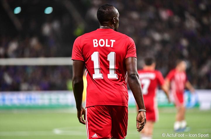 Un club européen a proposé un contrat de 2 ans à Usain Bolt, a affirmé son agent à @ESPNUK.  Ce dernier a également précisé qu'il s'agissait d'un club venant d'être racheté et qui vise la Ligue des Champions.