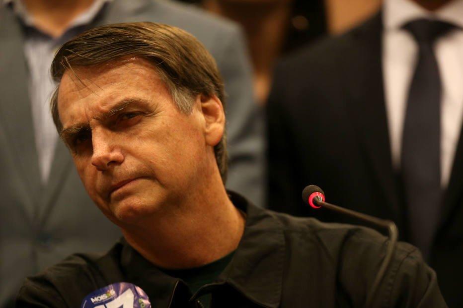 > Em@EstadaoPolitica visita ao Bope, Bolsonaro diz que 'quem vai mandar no Brasil são os capitães' https://t.co/cZBoeNpRsT