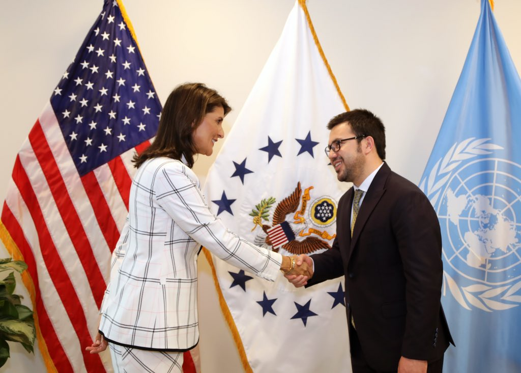In the last week of my US trip, I was honored to meet with Ambassador @nikkihaley - an extraordinary leader who believes in the inclusion of youth in important discussions. I thanked her for inviting me to speak at the UN Security Council under US presidency. <br>http://pic.twitter.com/ywWO4JkMGD