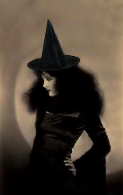test Twitter Media - Myrna Loy   You're welcome. #Hollywood #Halloween #witches #cinema https://t.co/omsxj4xOKI