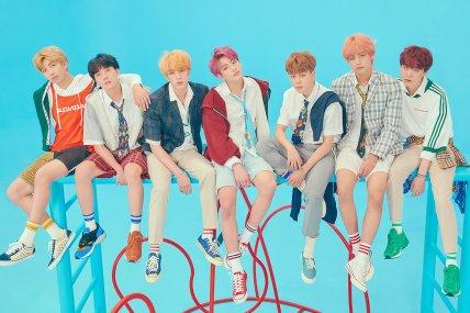Grupo de k-pop BTS lança coleção de maquiagem superfofa https://t.co/Ee4IDqxjY4