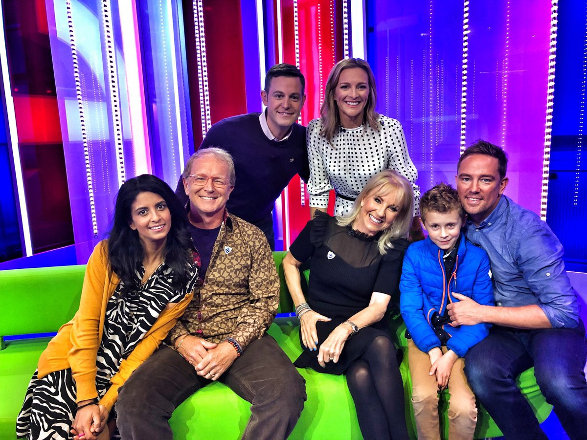 A lovely #bluepeter reunion on the @BBCTheOneShow tonight and even more lovely having my boy with me.
