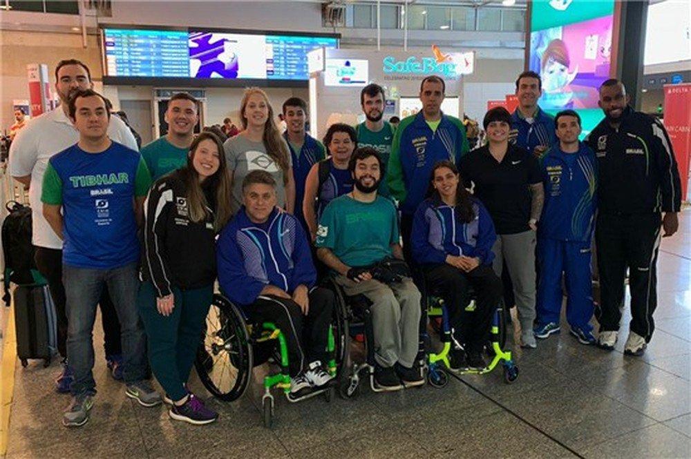 Após susto em voo, delegação paralímpica de tênis de mesa chega à Europa para Mundial https://t.co/VWiWsR6xzG https://t.co/1lBwvezWoj