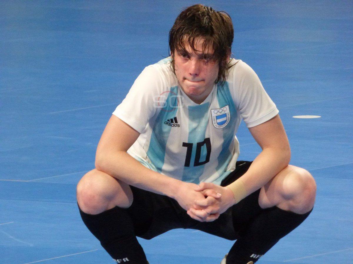 A veces, para vencer a la poderosa Brasil en futsal, se necesita más que un 100% de entrega. En Tecnópolis, los jugadores argentinos dejaron la vida pero no pudieron llegar a la gran final. ¡Arriba muchachos, a luchar por el bronce!