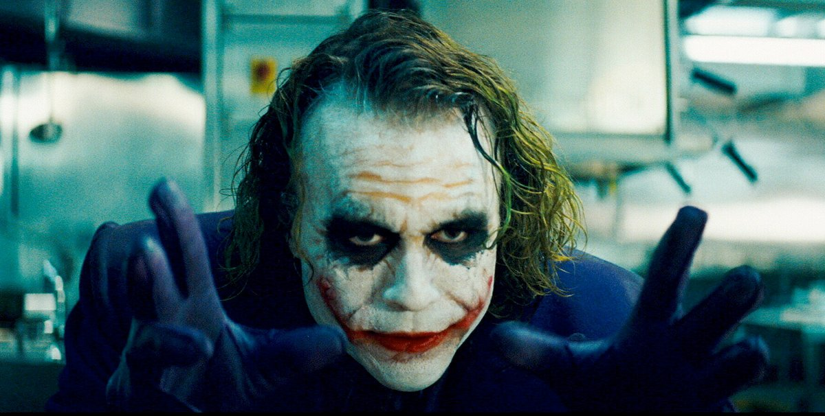 #TheDarkKnight is one of 50 movie screenplays you can download for free right now. Here&#39;s a full list:  http:// bit.ly/2CiiGpu  &nbsp;  <br>http://pic.twitter.com/v7dLIjSLrZ