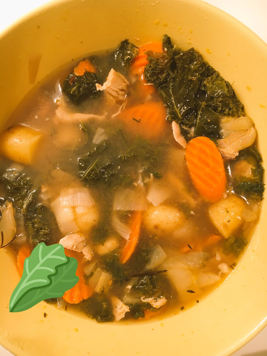 Chicken Kale Soup with our new Blues City Cayenne Garlic Sauce. #warm #spicy #delicious #helpingfeedothers https://t.co/Bz3F7763Ap