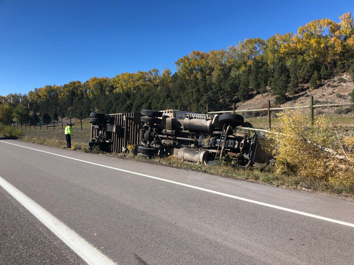 CMV Rollover on HWY 82 MP 14 westbound (Just west of Kathrine Store/CR100).  Expect delays in the area and a right lane closure until 7 PM. #cotraffic #HWY82