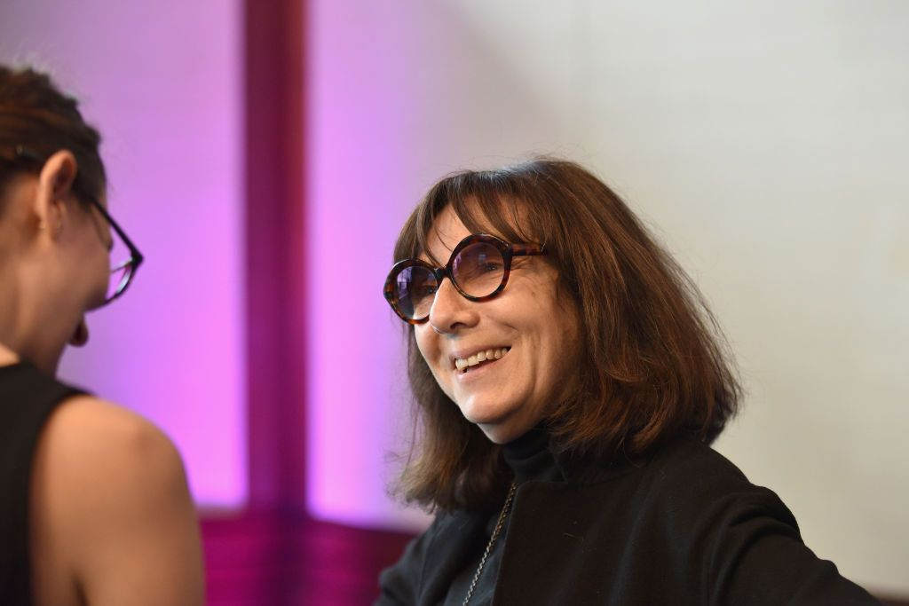 Artist Sophie Calle has enlisted an all star team of 38 musicians—including Pharrell Williams and Bono— to record an album in memory of her late cat 🐱.  http://bit.ly/2Ciaply
