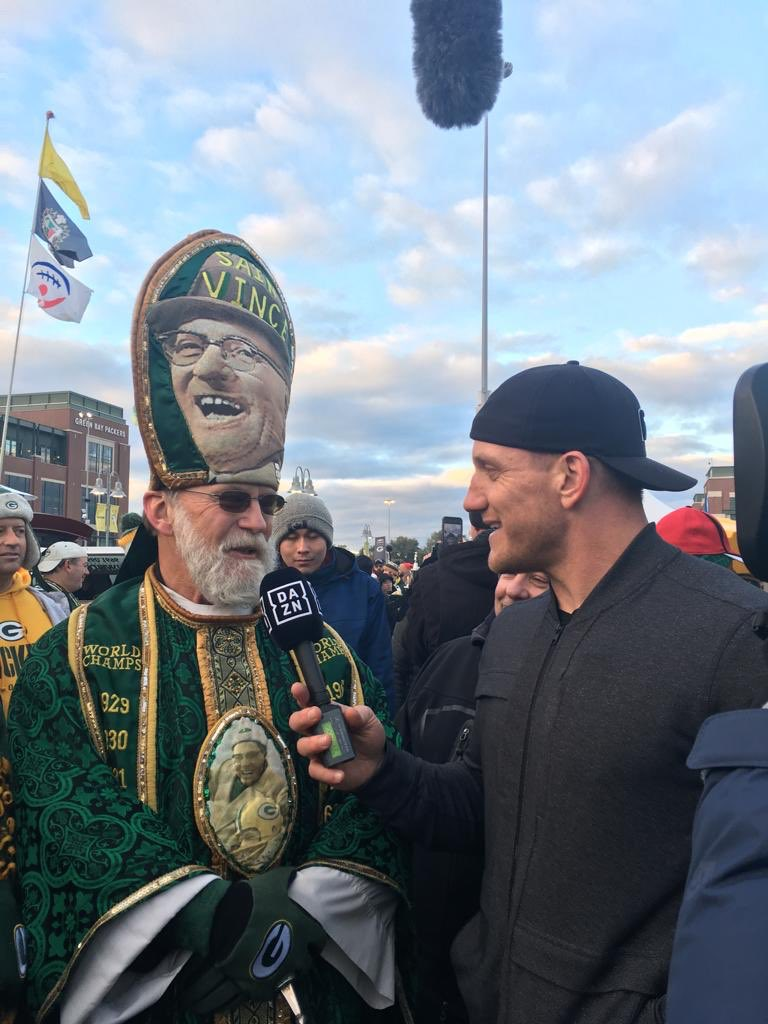 Talking with some of the Packer faithful! @DAZN_CA @packers