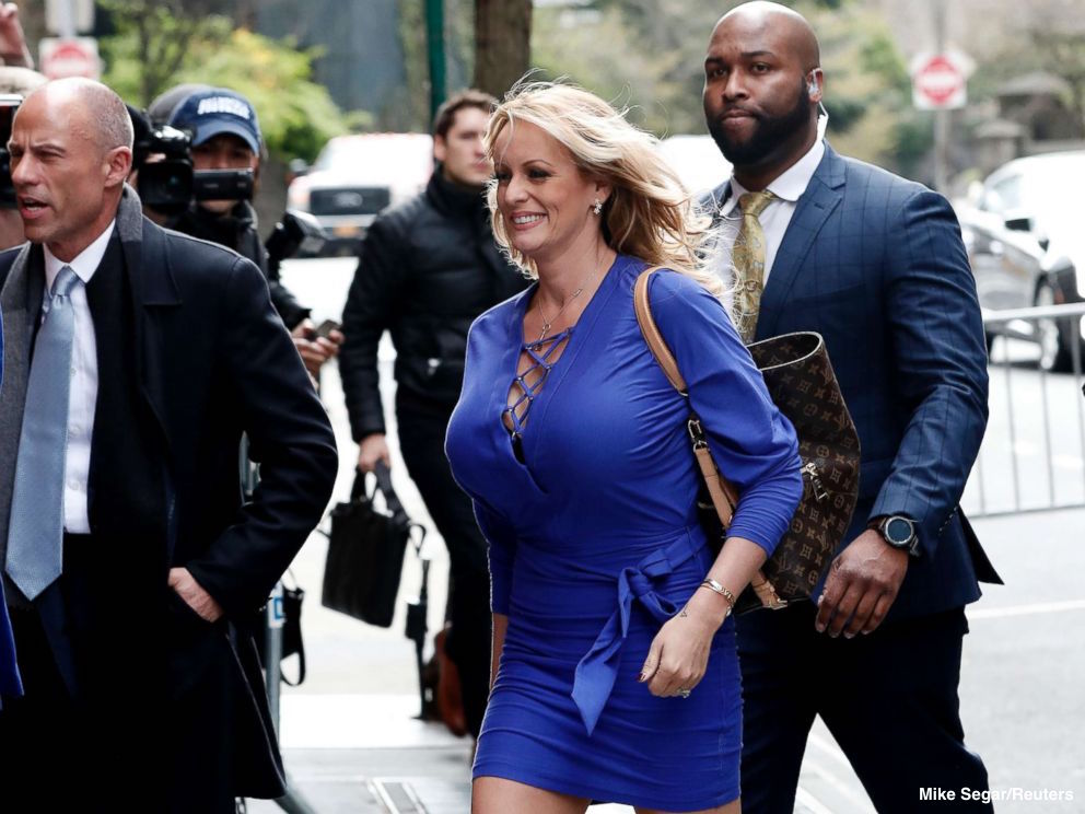 A federal judge has dismissed a defamation lawsuit filed by adult film actress Stormy Daniels against Pres. Trump.   Daniels was also ordered to pay Trump's legal fees. https://t.co/pSdZ1qmpEh