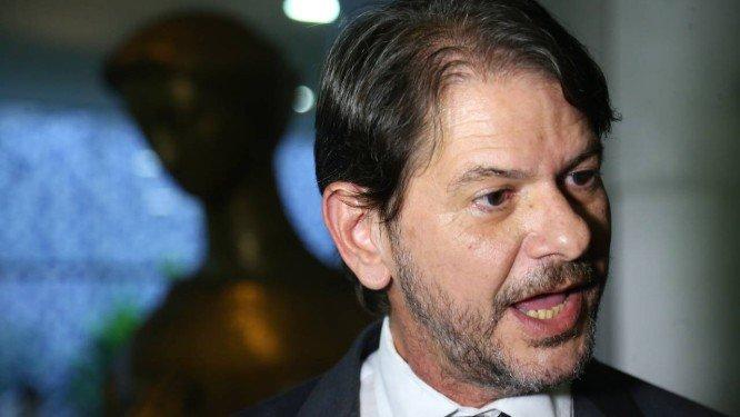 Em evento pró-@Haddad_Fernando , Cid Gomes cobra desculpas do PT e discute com militantes. https://t.co/dvinAtQVRV