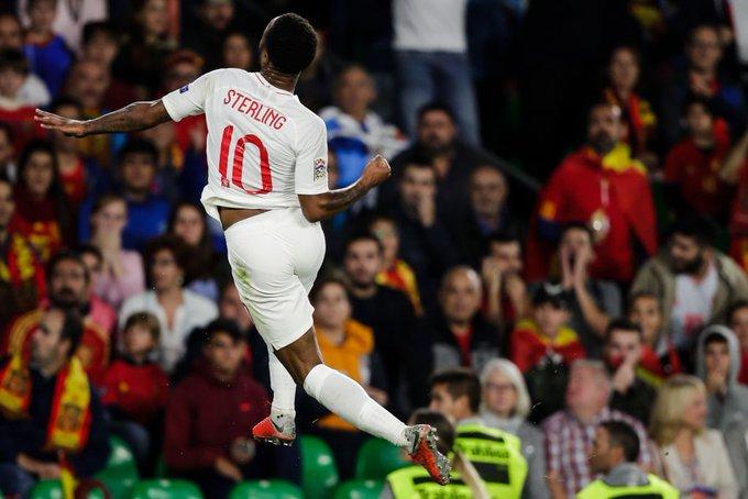 Raheem Sterling Bantu England Tewaskan Sepanyol - Photo