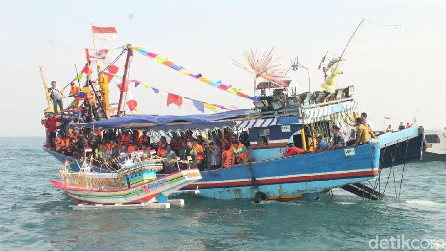 Pakar Budaya UIN Semarang: Sedekah Laut Isinya Doa dan Pengajian https://t.co/9Lm1f6e75B https://t.co/tf5sMPzihQ