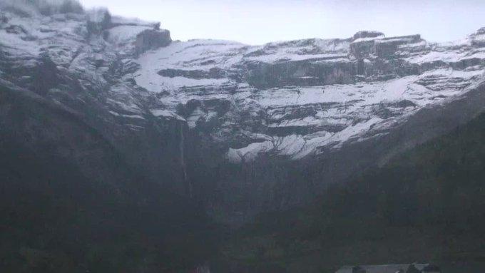 ❄️Manteau d'hiver #gavarnie #pyrenees #neige 📷 @valleesgavarnie @infonieve