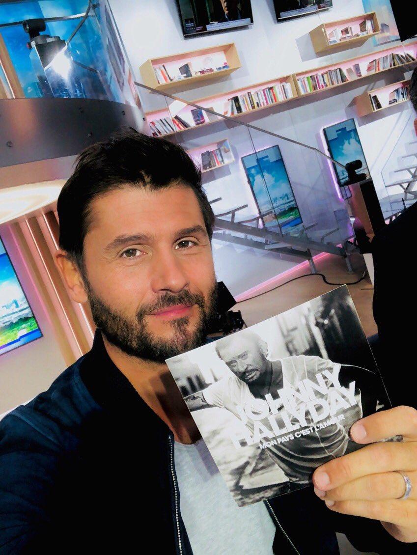 Ce matin on parle de l'album de #JohnnyHallyday sur @LCI @LaMatinaleLCI @PascaledeLaTour @LHallyday 🎶