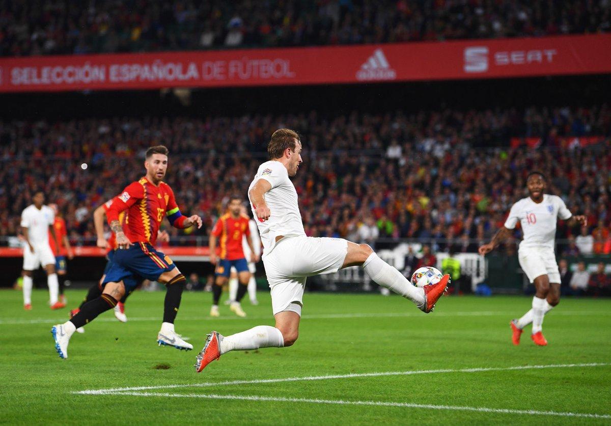 Harry Kane n'a pas marqué depuis 7 matchs en sélection !   vs Suède   vs Croatie   vs Belgique   vs Espagne   vs Suisse   vs Croatie   vs Espagne  Sa plus longue disette avec la sélection !  - FestivalFocus