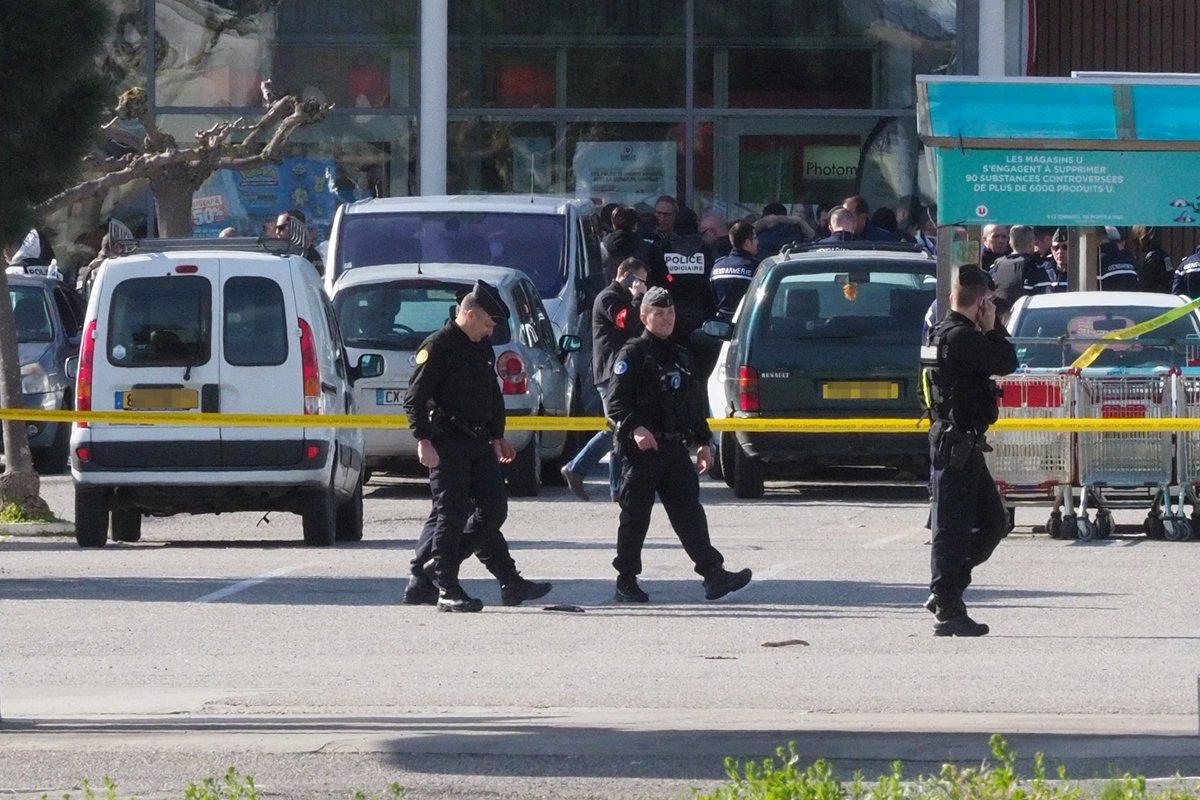Attentats de Trèbes et Carcassonne: six personnes placées en garde à vue https://t.co/sztTgBecWJ