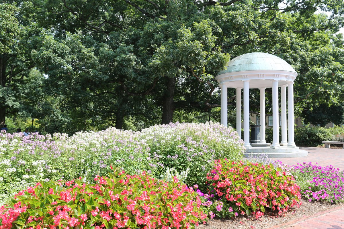At @UNCPharmacy we are training future pharmacists to make a positive impact on health care in the U.S. & around the world. If you are ready to take the first steps to join this dynamic profession, we invite you to apply to the #UNCPharmacy PharmD program https://t.co/6if2ll8…