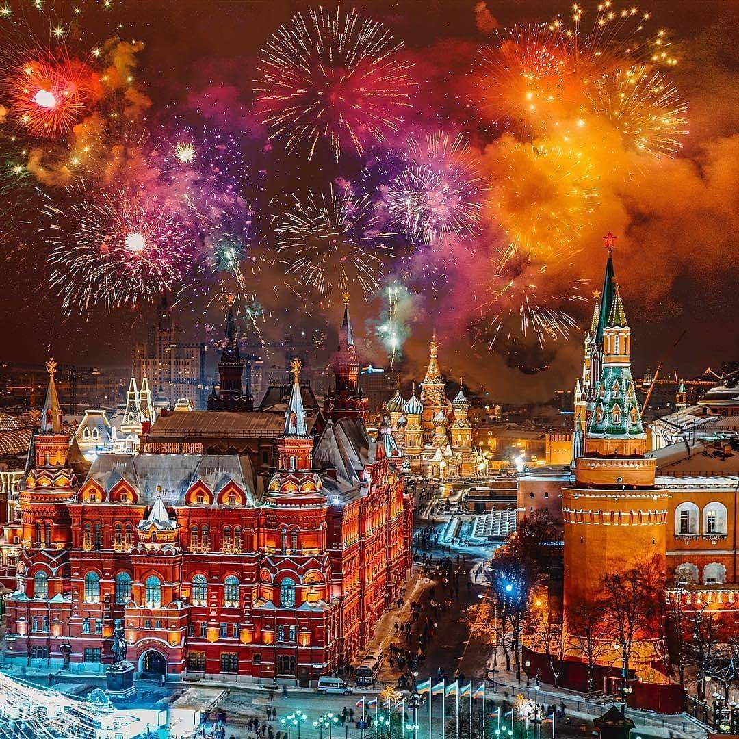 2019 год - Салют на Новый год 2019 в Москве