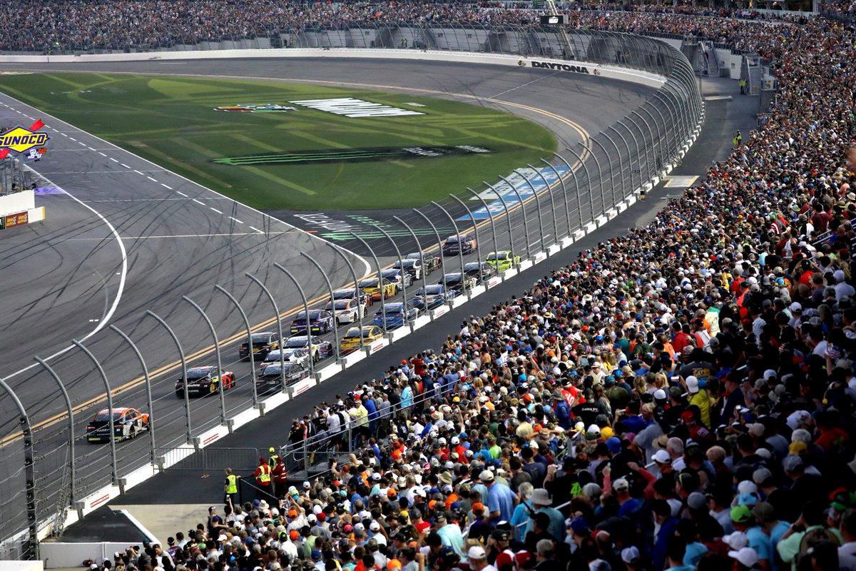 You can't take your eyes off the final laps of the #DAYTONA500!
