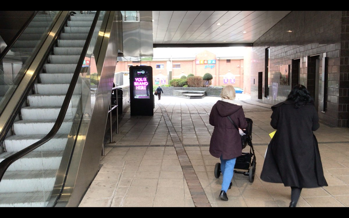 When you woke up this morning in Wrexham, you may have noticed 2 brand new digital kiosks @EaglesMeadow with 4 high bright screens for local and regional advertising.  25% discount to the first 3 advertisers!!  Contact us today !! #Wrexham #northwales #DOOH #advertise @wrexhamcbc